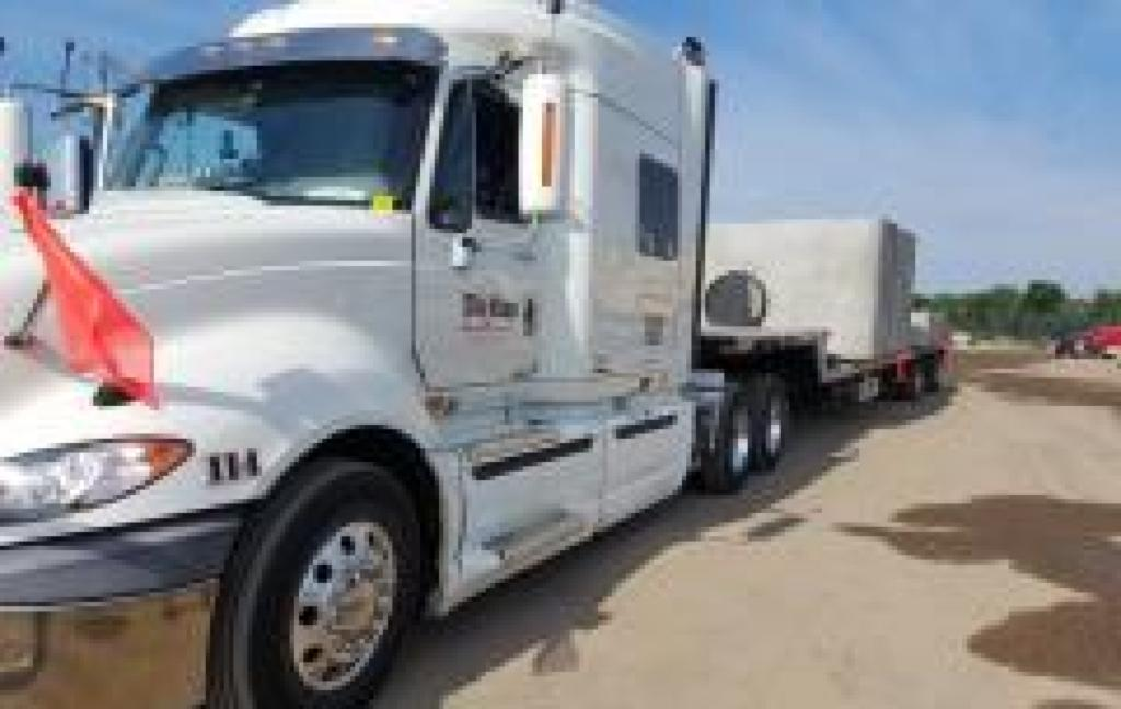 Da-Ran Inc. offers flatbed semi-truck hauling in 48 states